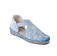 EVIAN es un modelo de alpargata extremadamente cómodo. Las tiras de goma cosidas a la tela otorgan una sujeción del pie excepcional. Las telas tejanas  dan alegría y un toque de diversión al calzado.