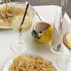 Love Eat, I Love Food, Good Food, Ratatouille, Food N, Food And Drink, Western Food, Outdoor Food, Aesthetic Food