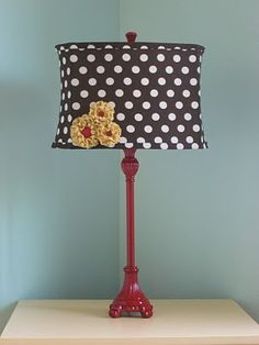 lampshade decorated with yo-yo flowers / by carol.delashmit