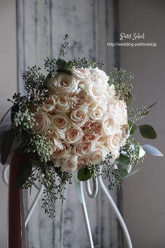 ピンクベージュのブーケ*ピンクベージュの花とユーカリのシンプルブーケ。