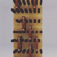 Librero sencillo, económico y elegante. #diseño #arquitectura #madera #mueble…