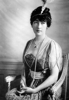 Evalyn Walsh MacLean and Hope diamond