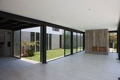Surrounded House by 2.8x arquitectos (18)