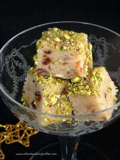 Turrón de Dátiles, almendras y pistachos Potato Salad, Recipies, Potatoes, Eggs, Chicken, Meat, Breakfast, Ethnic Recipes, Chocolates