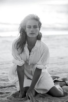 Carolyn Murphy, May 2006   - HarpersBAZAAR.com