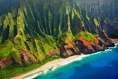 Na'Pali coast, Kauai, Hawaii I NEED to hike this!