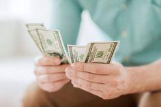Este hechizo para ganar dinero puede ayudarte si tú estás luchando económicamente, pasando malos momentos financieros o necesitas un poco más de dinero en