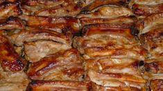 Křupavý pečený vepřový bok marinovaný v medu, hořčici a kečupu! Hungarian Recipes, Russian Recipes, Pork Recipes, Chicken Recipes, Cooking Recipes, Baked Pork Ribs, Salsa Barbacoa, Good Food, Yummy Food