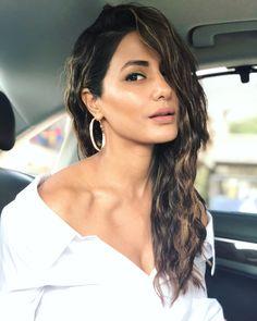 Image may contain: 1 person, closeup Bollywood Girls, Bollywood Actress, Indian Celebrities, Bollywood Celebrities, Most Beautiful Indian Actress, Beautiful Actresses, Kirti Kharbanda, Heena Khan, Stylish Dpz
