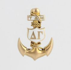 Look at this 1915/1916 beauty! Such pronounced flukes on the anchor. Love it! Delta Gamma, Fraternity, Anchors, Sorority, Badges, Goodies, Sweet Like Candy, Good Stocking Stuffers, Badge