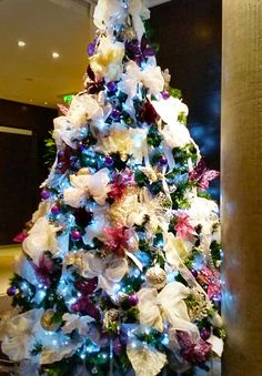 Amazing christmas trees for hire our amazing christmas trees can be professional christmas decorations services for hire our professional christmas decorations are available in the uk aloadofball Choice Image