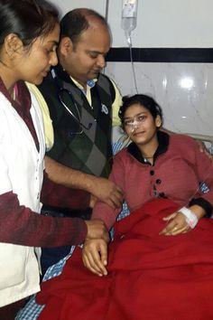 Các bác sĩ Ấn Độ sốc khi lần đầu tiên nhìn thấy tận mắt quá nhiều giun trong bụng cô gái trẻ.           Neha Begum đang dần phuc hồi sức khỏe sau ca phẫu thuật. Ảnh: Cover Asia Press      Neha Begum, 22 tuổi, sống ở Chandauli, bang Uttar Pradesh, đến bệnh viện cấp cứu hôm 2/1 sau khi b...  http://cogiao.us/2017/01/12/thieu-nu-co-150-con-giun-trong-bung-ma-khong-biet/