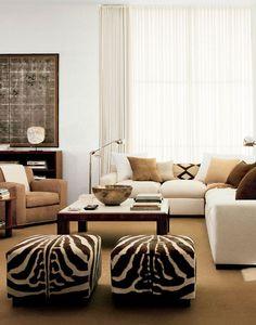 Si tu casa te pide un cambio nuestra propuesta para este verano es que predomine el blanco con muebles y decoración en madera natural y toques étnicos.