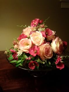 Bouqube Inc - Bridal : The Bouqube works with almost any style flower arrangement. Check out Bouqube.com to learn more !