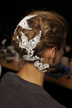 Love this, decoupage hair!