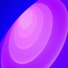 James Turrell, Aten Reign, 2013 (at James Turrell Museum Museum) James Turrell, Light And Space, Love And Light, Blog Design, Design Art, Light Installation, Art Installations, Color Violeta, Lights Artist