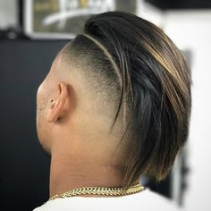 Check out these super cool shaved sides haircuts. Update your look now with one of these fresh fade haircut looks for short to medium hair. Shaved Side Haircut, Fade Haircut, Shaved Hair, Undercut Hairstyles, Hairstyles Haircuts, Men Undercut, Undercut Pompadour, Cool Haircuts, Haircuts For Men