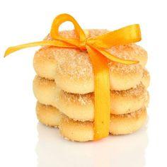 Receita de Biscoitinhos Amanteigados de Laranja. A delícia do biscoito amanteigado e o toque cítrico da laranja, derrete na boca! My Recipes, Sweet Recipes, Cookie Recipes, Snack Recipes, Favorite Recipes, Snacks, Cooking Cookies, Good Food, Yummy Food