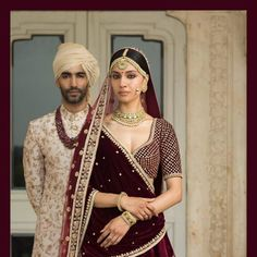 6 Non-Cheesy Ways To Coordinate Bride & Groom Outfits! – The Urban Guide Indian Bride And Groom, South Indian Bride, Bride Groom, Indian Bridal, Groom Wear, Groom Outfit, Wedding Looks, Bridal Looks, Peach Gown