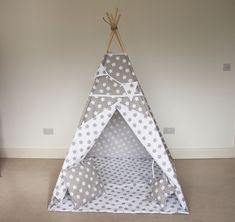 White and grey stars kids teepee tent FREE BUNTING / girls tipi tent / boys teepee play tent / wigwam for children