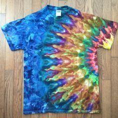 Ice Tie Dye, Tye Dye, Tie Dye Shirts, Dye T Shirt, Tie Dye Folding Techniques, Sharpie Tie Dye, Tie Dye Crafts, Ice Dyeing, Tie Dye Designs
