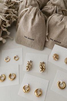 Jewelry Tags, Ear Jewelry, Cute Jewelry, Body Jewelry, Jewelery, Jewelry Accessories, Fashion Accessories, Jewelry Design, Beaded Jewelry
