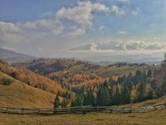 Beautiful view in Romania village - Beautiful view in Pestera Romania, Mountains, Places, Nature, Travel, Beautiful, Naturaleza, Viajes, Destinations