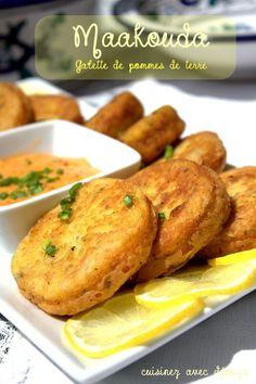 Maakouda galette de pommes de terre express, recette algérienne Iftar, Plats Ramadan, Tunisian Food, Algerian Recipes, Vegetarian Recipes, Cooking Recipes, Salty Foods, Ramadan Recipes, Exotic Food
