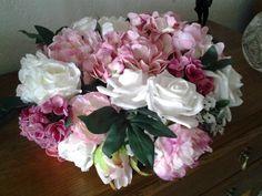 Volle bloemenkrans