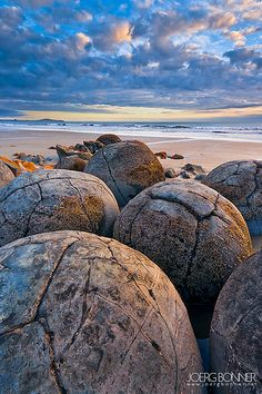 Moleraki Boulders - Koekche Beach, New Zealand