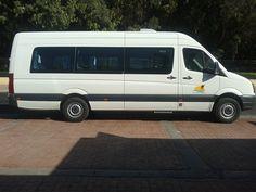 Minibus 17 places pour des transferts aéroport, inter-villes ou navettes golf. Agadir Maroc - It's 4 You Tours
