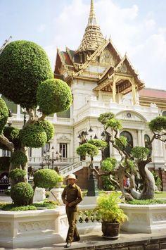 Grand Palace, Bangkok, Thailand | Footsteps of a Wanderer