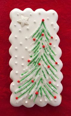 Awesome Christmas sweets recipes are readily available on our web pages. Read more and you wont be sorry you did. Christmas Tree Cookies, Iced Cookies, Christmas Sweets, Noel Christmas, Holiday Cookies, Christmas Baking, Halloween Cookies, Christmas Cupcakes, Fancy Cookies