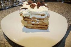 TERTE & ROLKOEKE - SOET Kit Kat Brownies, Tart Recipes, Dessert Recipes, South African Recipes, Ethnic Recipes, Fridge Cake, Meringue Cookies, Diy Food, Classroom Decor