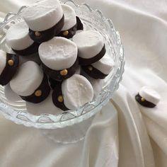 Täykkäri: Ylioppilas Sweet Cookies, Partying Hard, Food Inspiration, Cake Recipes, Sweet Tooth, Good Food, Food And Drink, Lorem Ipsum, Sweets