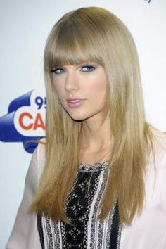 I miss the old taylor swift :/ The country girl with light blonde curly hair...with cute lyrics