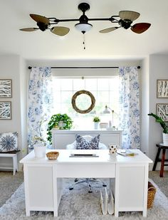 Make your workspace sunnier, airy and comfortable with this amazing office décor idea. This trendy and non-conventional office theme will increase your interest in your work and you will eagerly love to spend worthy time at your calm and cozy workplace.