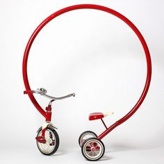 旧时光了。Sergio Garcia's Abstract Tricycle Sculptures