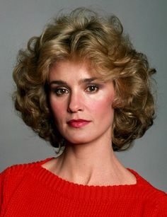 Jessica Lange (1949) Lange is best known for her roles in King Kong, Tootsie, Frances, Blue Sky, HBO's Grey Gardens, and American Horror Story. Lange is also an accomplished photographer. Lange has been married once, has had two long-term relationships, and has 3 children.