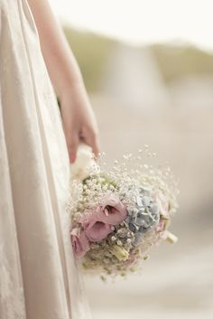 Who said roses and baby's breath was old school?