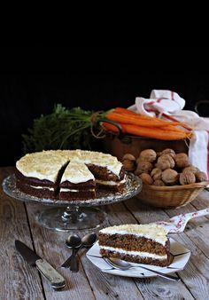 Piškot: Do prosáté mouky zamícháme prášek do pečiva, jedlou sodu, vanilkový cukr, skořici a sůl.  Mrkev si očistíme a najemno nastrouháme.... Tiramisu, Ethnic Recipes, Instagram, Carrot Cake, Recipes, Pies, Tiramisu Cake