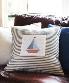 Sew a nautical appliqué cushion :: free sewing pattern :: cushion cover pattern…