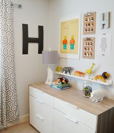 A clever, clever, clever and really cute idea for a kid's bedroom. It's  from an absolute 'blog-crush' of mine - www.sarahmstyle.ca and if you  haven't seen this blog before, CLICK HERE NOW!!! It's bursting with  amazing, creative ideas for decorating kids spaces (and the grown up ones  that the