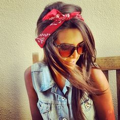 ♥ LOVE the bandana jean sleeveless jack and sunglasses look Perfect look for the summer season.def gettin a red bandana lol Hair Dos, Your Hair, Pin Up, Beautiful Streets, Bandanas, Mode Style, Cute Hairstyles, Bandana Hairstyles, Country Hairstyles