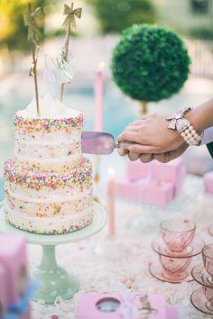 Consider bringing left-over wedding cake to your morning-after brunch. Read more at http://www.brides.com/blogs/aisle-say/2016/08/leftover-wedding-cake-at-morning-after-brunch.html