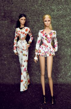 jumpsuit short rose sewn from printed material emergencies gently rose pattern exquisite . fit fashion royalty , barbie silkstone , nuface you receive jumpsuit rose Doll and other accessories are NOT INCLUDED - Thank you for watching.