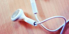 8 Things You Never Knew Your iPhone's Headphones Could Do  Read more: http://www.businessinsider.com/apple-headphone-controls-2014-3?op=1#ixzz2xB4J2dwW