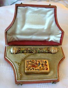 OUTSTANDING GOLD ENAMELED 2 NEEDLE CASES IN CASE