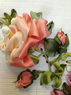 Wonderful Ribbon Embroidery Flowers by Hand Ideas. Enchanting Ribbon Embroidery Flowers by Hand Ideas. Ribbon Embroidery Tutorial, Silk Ribbon Embroidery, Embroidery Applique, Embroidery Stitches, Embroidery Patterns, Flower Embroidery, Ribbon Art, Ribbon Crafts, Flower Crafts
