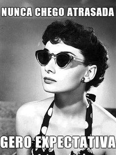 Audrey Hepburn, pin up look Golden Age Of Hollywood, Hollywood Glamour, Classic Hollywood, Old Hollywood, Hollywood Images, Hollywood Girls, Pin Up, Grace Kelly, Brigitte Bardot